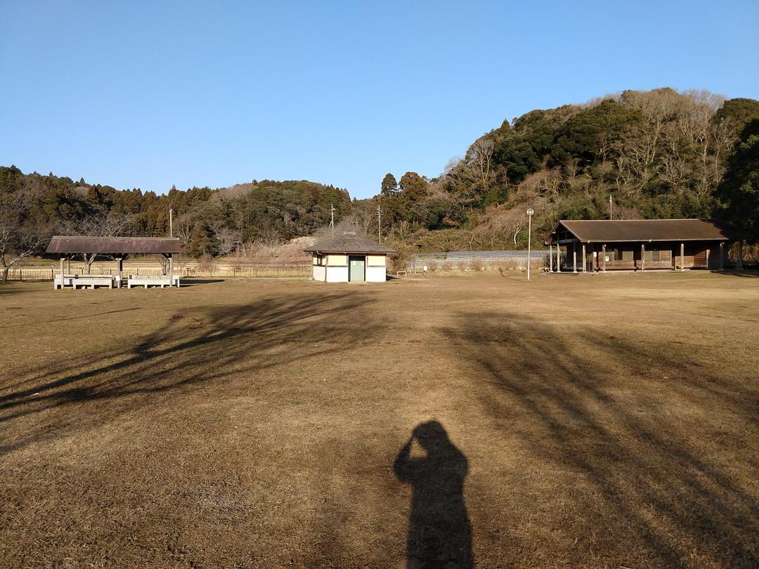 橘 ふれあい 公園 キャンプ